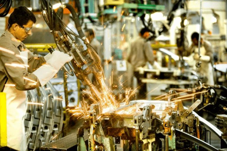 Produção industrial sobe em 14 de 15 locais pesquisados em junho, mostra IBGE