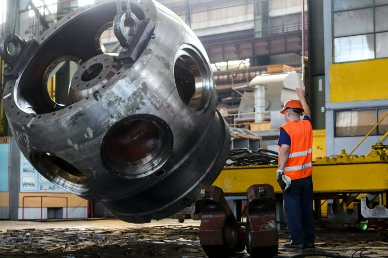 ArcelorMittal: companhia espera reduzir emissões de carbono em 10% no Brasil